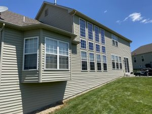 clean windows cleaned siding window cleaning pressure washing edwardsville bethalto maryville glen carbon illinois il